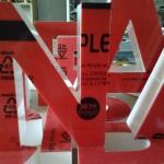 litery 30 lat gwarancji na plexi od producenta (w czarnym kółku)